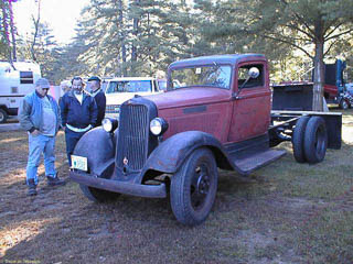 Dodge truck from the 1930s with dual rear wheels